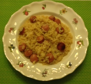 Arroz con salchichas al curry