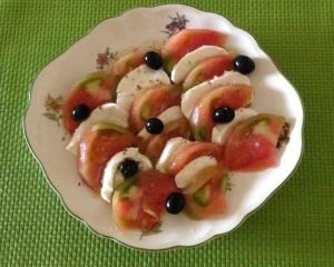 Ens. de tomate y Mozzarella (2)