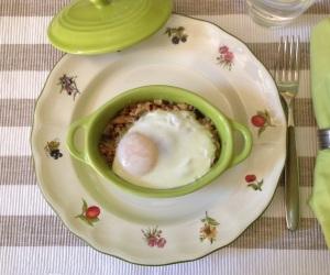 Huevos en cocotte con berenjena