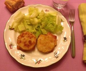 Merluza empanada rellena de jamón y queso