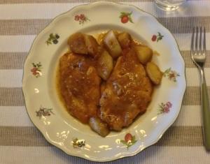 Pollo. Pechugas con manzanas al curry