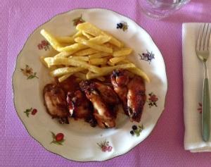 Alas de pollo marinadas
