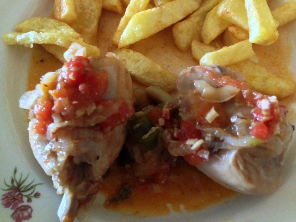 Muslos de pollo con tomates (M)