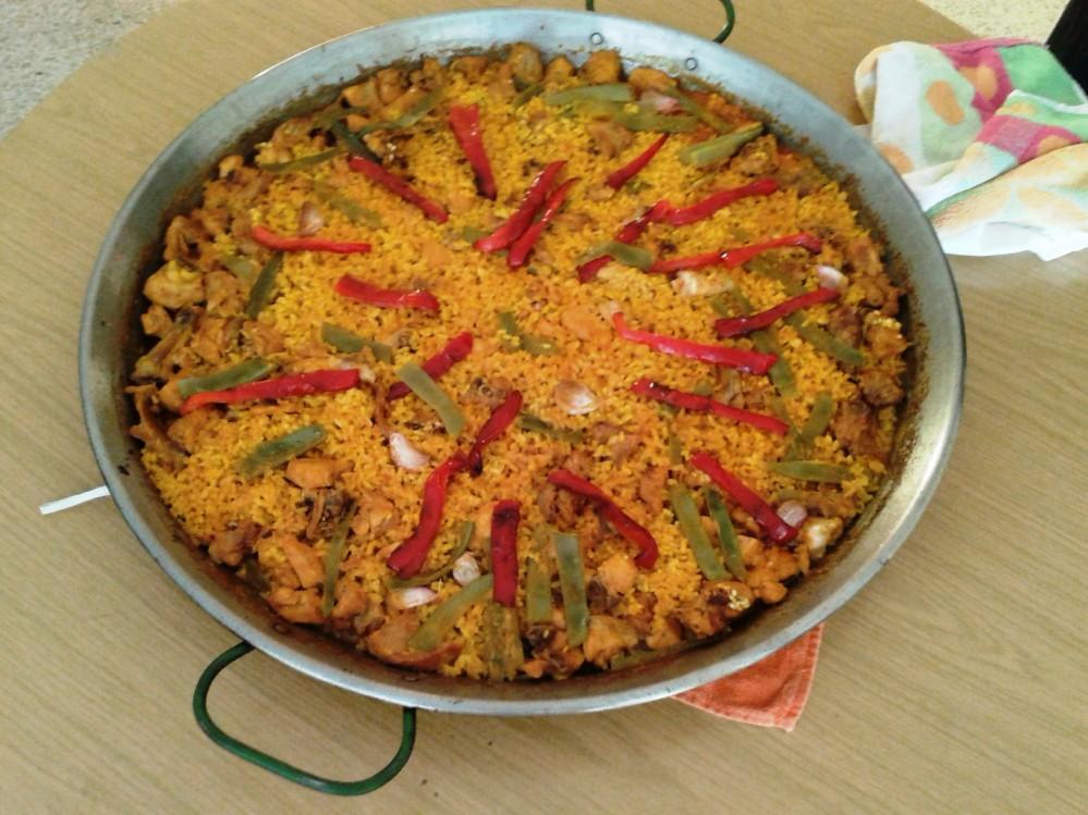 Paella de conejo y pollo estilo Pirolo