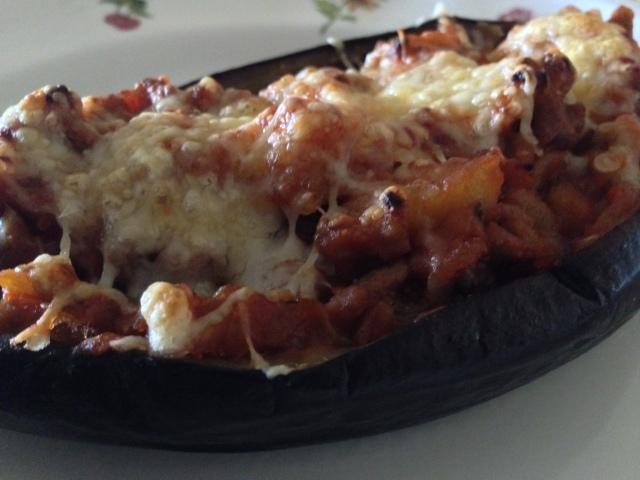 Berenjenas rellenas de carne y tomate