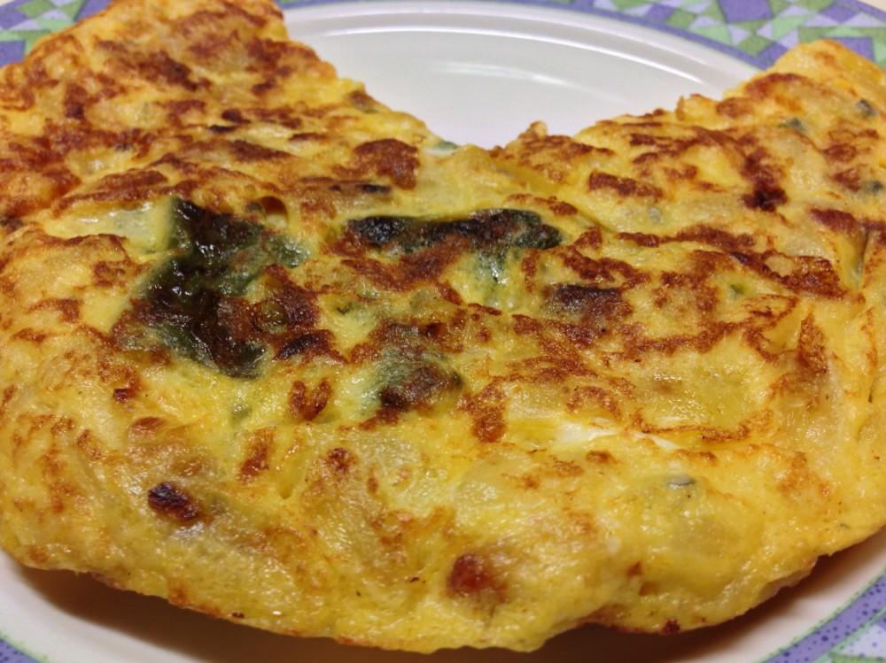Tortilla de patatas con queso azul