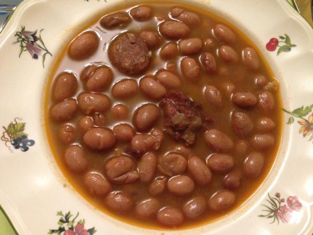 alubias-caricos-con-chorizo-y-jamon